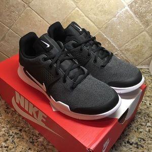 Kids Nike Arrow (GS) shoes